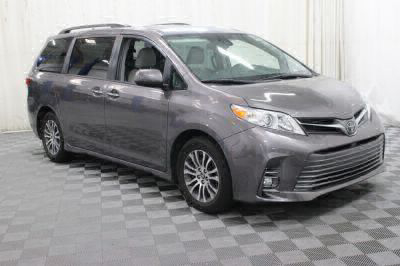 Commercial Wheelchair Vans for Sale - 2018 Toyota Sienna XLE ADA Compliant Vehicle VIN: 5TDYZ3DC1JS910821