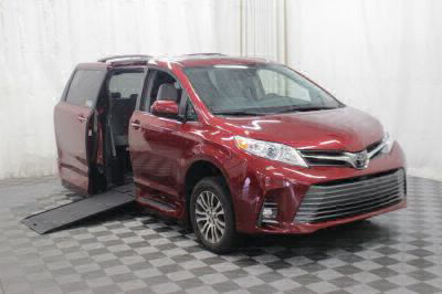 Commercial Wheelchair Vans for Sale - 2019 Toyota Sienna XLE ADA Compliant Vehicle VIN: 5TDYZ3DC8KS989518