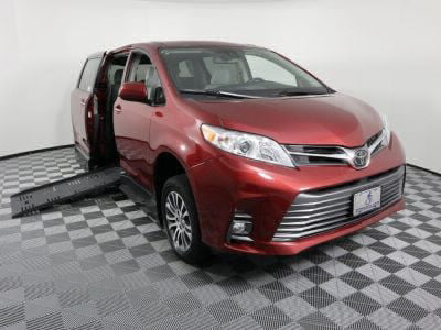 New Wheelchair Van for Sale - 2019 Toyota Sienna XLE Wheelchair Accessible Van VIN: 5TDYZ3DC7KS017425