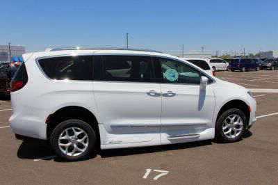 2018 Chrysler Pacifica Wheelchair Van For Sale -- Thumb #30
