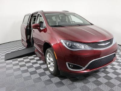 Used Wheelchair Van for Sale - 2018 Chrysler Pacifica Touring L Wheelchair Accessible Van VIN: 2C4RC1BG9JR321248