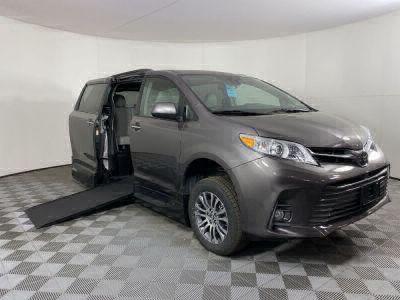 Handicap Van for Sale - 2020 Toyota Sienna XLE Wheelchair Accessible Van VIN: 5TDYZ3DC2LS028740