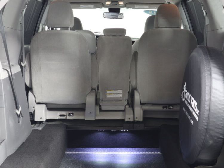 2018 Toyota Sienna LE Wheelchair Van For Sale #11