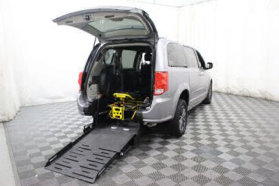 Commercial Wheelchair Vans for Sale - 2017 Dodge Grand Caravan SXT ADA Compliant Vehicle VIN: 2C4RDGCG5HR842296