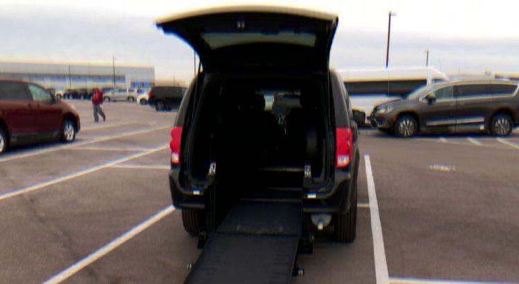 2018 Dodge Grand Caravan SE Plus Wheelchair Van For Sale #10