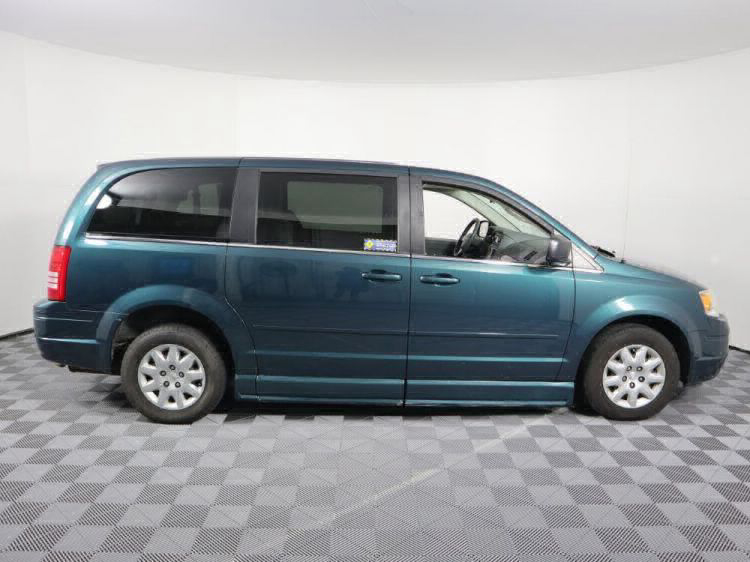 2009 Chrysler Town and Country LX Wheelchair Van For Sale #21