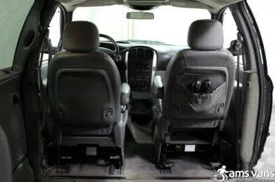 2004 Chrysler Town and Country Wheelchair Van For Sale -- Thumb #7