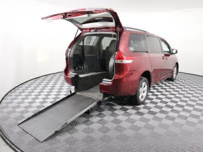 Commercial Wheelchair Vans for Sale - 2014 Toyota Sienna LE ADA Compliant Vehicle VIN: 5TDKK3DC7ES428032