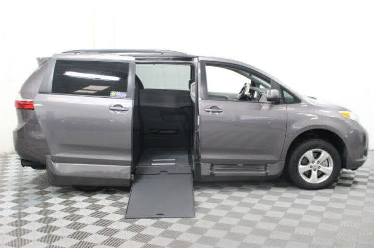2017 Toyota Sienna LE Wheelchair Van For Sale #2