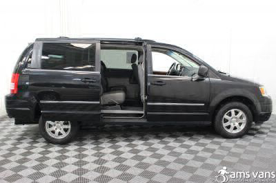 2009 Chrysler Town and Country Wheelchair Van For Sale -- Thumb #6