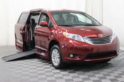 Commercial Wheelchair Vans for Sale - 2017 Toyota Sienna XLE ADA Compliant Vehicle VIN: 5TDYZ3DC0HS797227