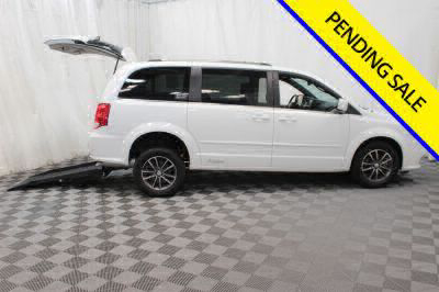 Commercial Wheelchair Vans for Sale - 2017 Dodge Grand Caravan SXT ADA Compliant Vehicle VIN: 2C4RDGCG3HR807627