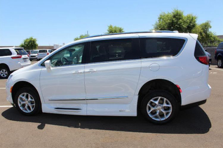 2018 Chrysler Pacifica Touring L Wheelchair Van For Sale #33