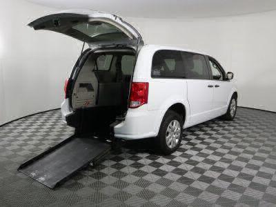 Commercial Wheelchair Vans for Sale - 2019 Dodge Grand Caravan SE ADA Compliant Vehicle VIN: 2C4RDGBG9KR787599