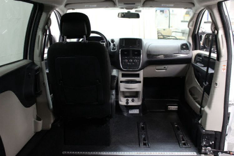 2015 Dodge Grand Caravan SXT Wheelchair Van For Sale #8