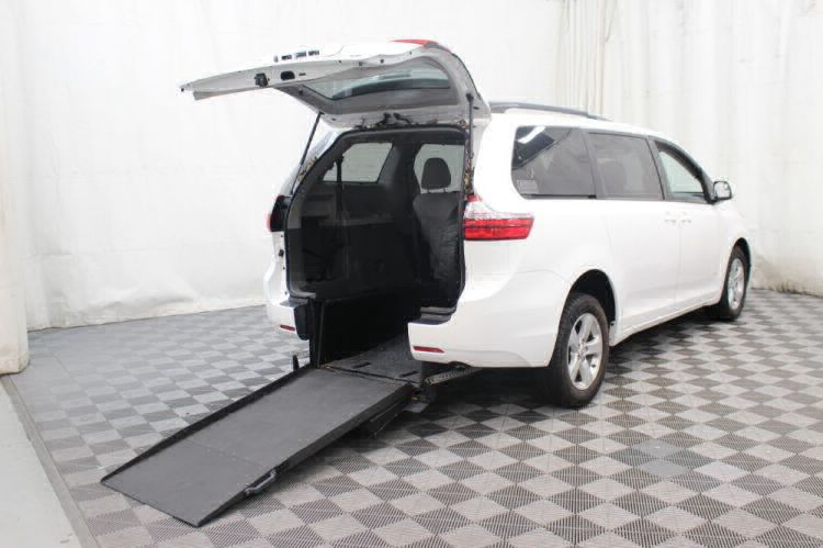 2015 Toyota Sienna LE Wheelchair Van For Sale #1