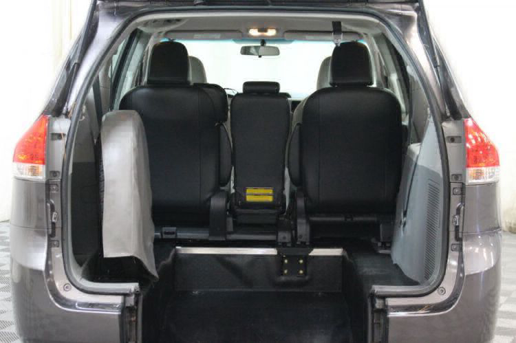 2014 Toyota Sienna L Wheelchair Van For Sale #3