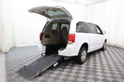 Commercial Wheelchair Vans for Sale - 2016 Dodge Grand Caravan SE ADA Compliant Vehicle VIN: 2C4RDGBG2GR342922