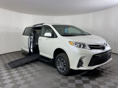 New Wheelchair Van for Sale - 2020 Toyota Sienna XLE-NAV SC Wheelchair Accessible Van VIN: 5TDYZ3DC4LS085490