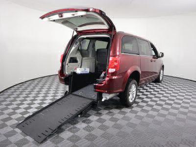 Commercial Wheelchair Vans for Sale - 2018 Dodge Grand Caravan SXT ADA Compliant Vehicle VIN: 2C4RDGCG7JR326799