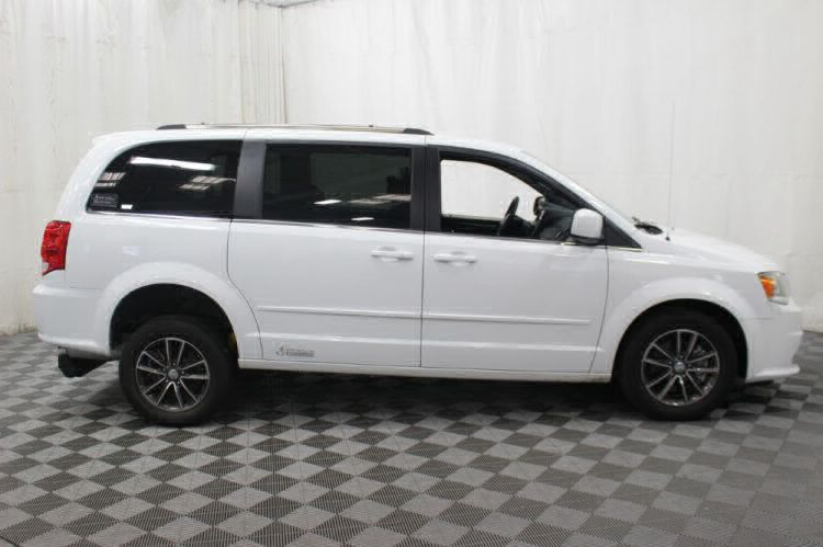 2017 Dodge Grand Caravan SXT Wheelchair Van For Sale #5