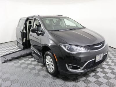 New Wheelchair Van for Sale - 2019 Chrysler Pacifica Touring L Wheelchair Accessible Van VIN: 2C4RC1BG6KR593113