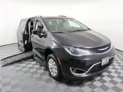 Handicap Van for Sale - 2019 Chrysler Pacifica Touring L Wheelchair Accessible Van VIN: 2C4RC1BG6KR593113