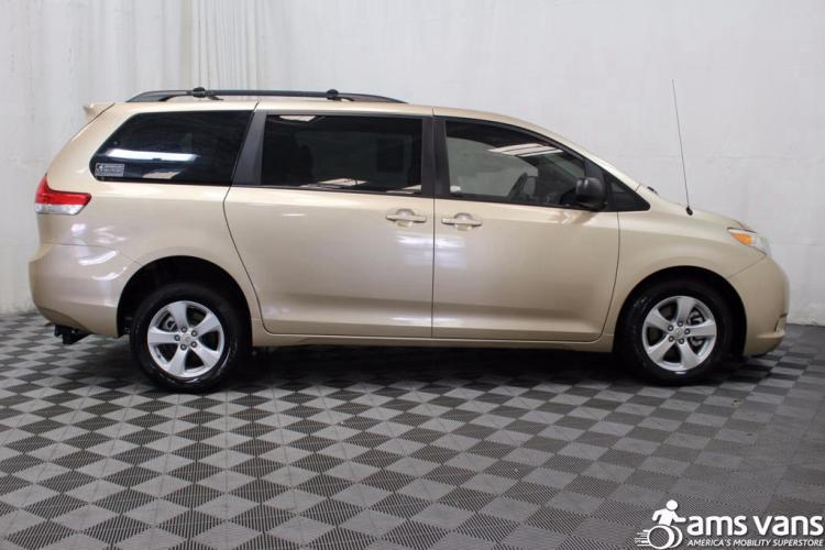 2011 Toyota Sienna LE Wheelchair Van For Sale #7