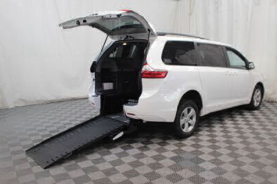 Commercial Wheelchair Vans for Sale - 2017 Toyota Sienna LE ADA Compliant Vehicle VIN: 5TDKZ3DC3HS864649