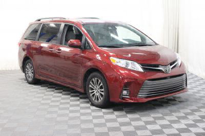 Commercial Wheelchair Vans for Sale - 2018 Toyota Sienna XLE ADA Compliant Vehicle VIN: 5TDYZ3DC4JS919223