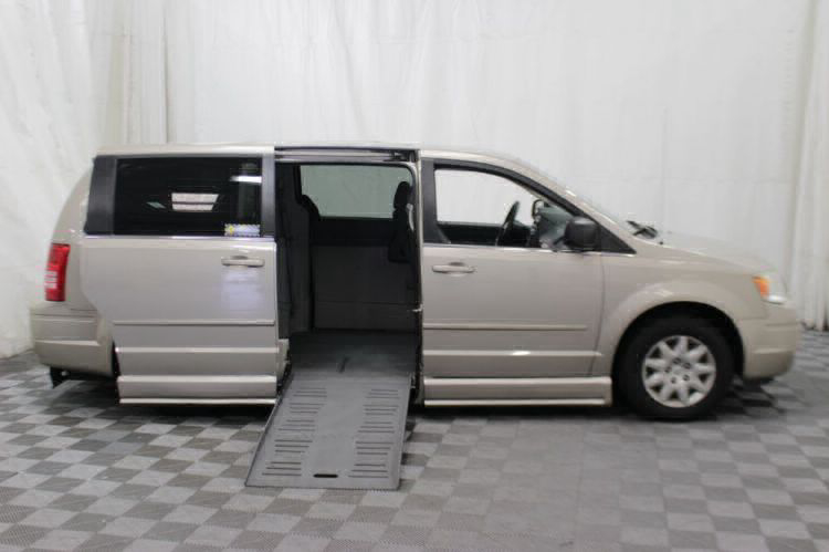 2009 Chrysler Town and Country LX Wheelchair Van For Sale #2