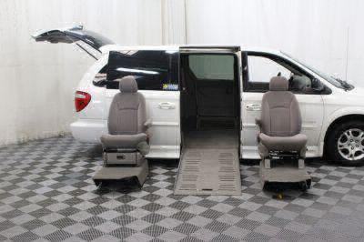 2002 Dodge Grand Caravan Wheelchair Van For Sale -- Thumb #17