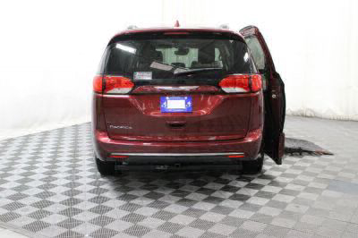 2017 Chrysler Pacifica Wheelchair Van For Sale -- Thumb #4