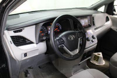 2016 Toyota Sienna Wheelchair Van For Sale -- Thumb #11