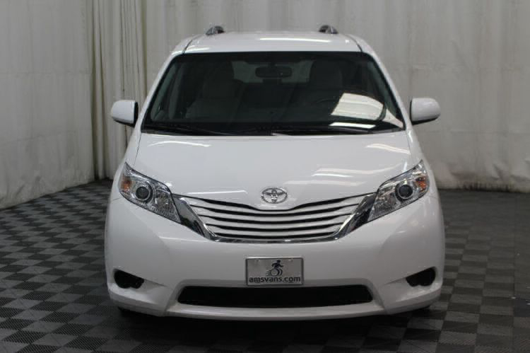 2015 Toyota Sienna LE Wheelchair Van For Sale #38