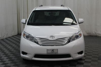 2015 Toyota Sienna Wheelchair Van For Sale -- Thumb #38