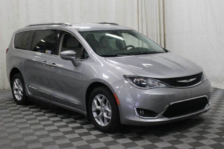 2017 Chrysler Pacifica Touring-L Plus Wheelchair Van For Sale #34