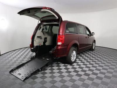 Commercial Wheelchair Vans for Sale - 2018 Dodge Grand Caravan SXT ADA Compliant Vehicle VIN: 2C4RDGCG6JR265977