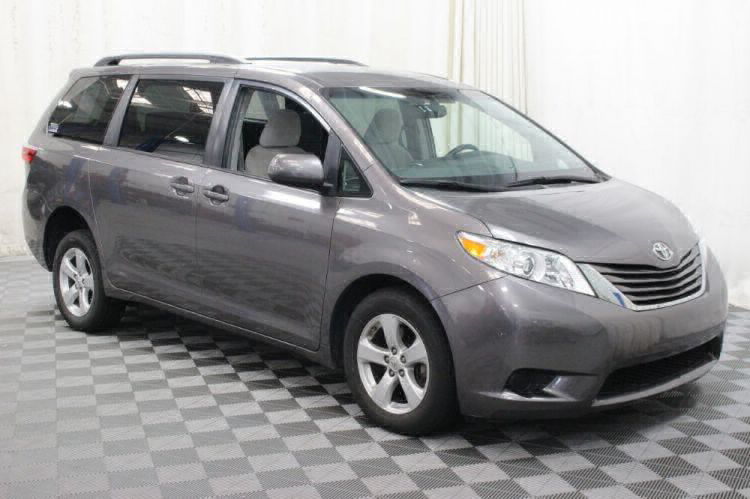2017 Toyota Sienna LE Wheelchair Van For Sale #7