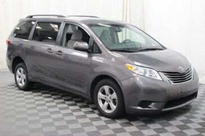 2017 Toyota Sienna Wheelchair Van For Sale -- Thumb #7
