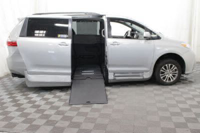Commercial Wheelchair Vans for Sale - 2019 Toyota Sienna XLE ADA Compliant Vehicle VIN: 5TDYZ3DC1KS971653