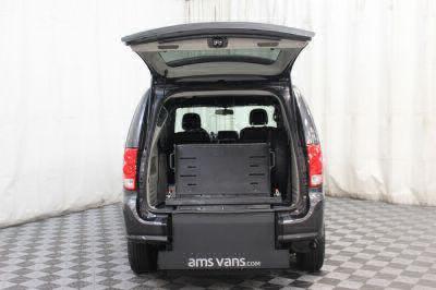 2018 Dodge Grand Caravan Wheelchair Van For Sale -- Thumb #14