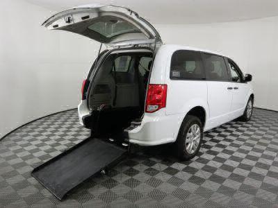 Commercial Wheelchair Vans for Sale - 2019 Dodge Grand Caravan SE ADA Compliant Vehicle VIN: 2C4RDGBG7KR677781