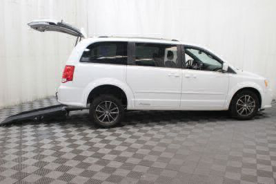 2017 Dodge Grand Caravan Wheelchair Van For Sale -- Thumb #3