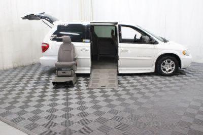 2002 Dodge Grand Caravan Wheelchair Van For Sale -- Thumb #16