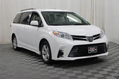 2018 Toyota Sienna Wheelchair Van For Sale