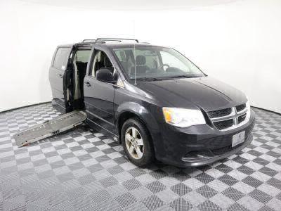 2012 Dodge Grand Caravan Wheelchair Van For Sale -- Thumb #2