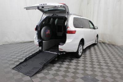 New Wheelchair Van for Sale - 2018 Toyota Sienna LE Wheelchair Accessible Van VIN: 5TDKZ3DC3JS910065