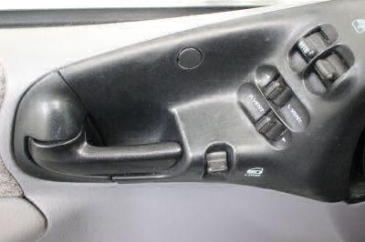 2000 Dodge Grand Caravan Wheelchair Van For Sale -- Thumb #18