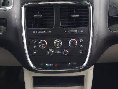 2018 Dodge Grand Caravan Wheelchair Van For Sale -- Thumb #23